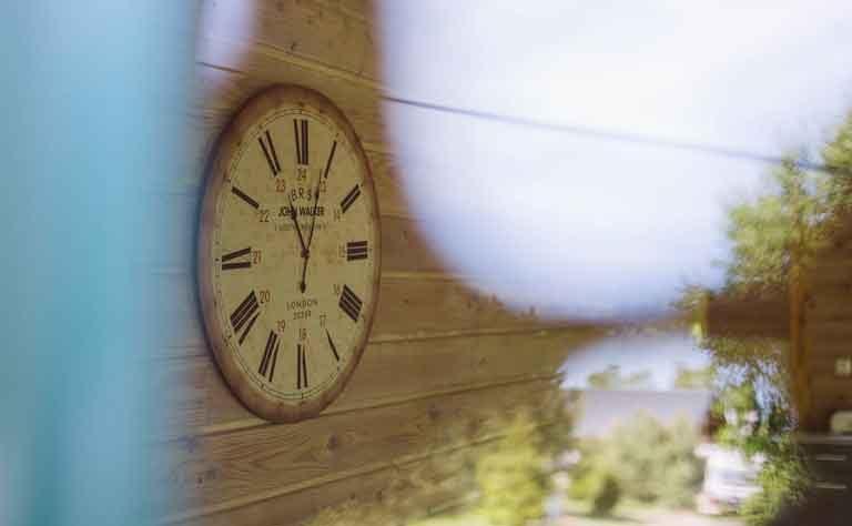Uhr im Ferienhaus C