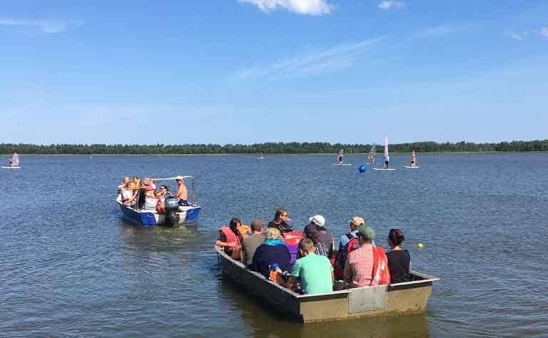 Ueberfahrt mit dem Boot zum anderen Ufer vom Sarbsker See - von dort aus zu Fuss zur polnischen Ostsee spazieren