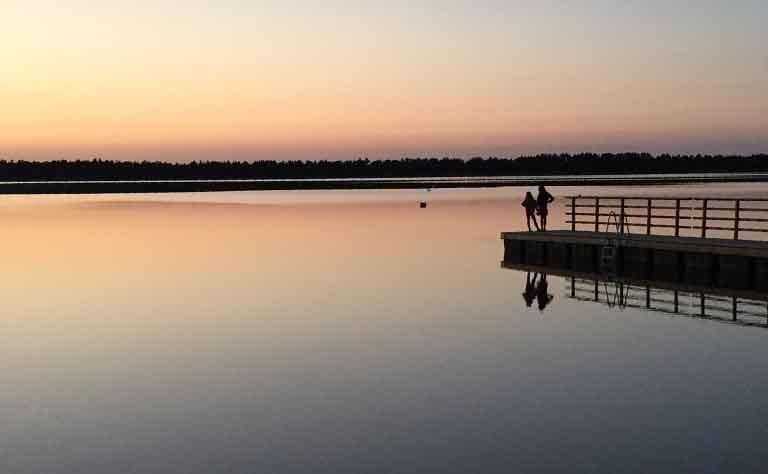 Abendstimmung am Stehrevier Sarbsker See in Pommern